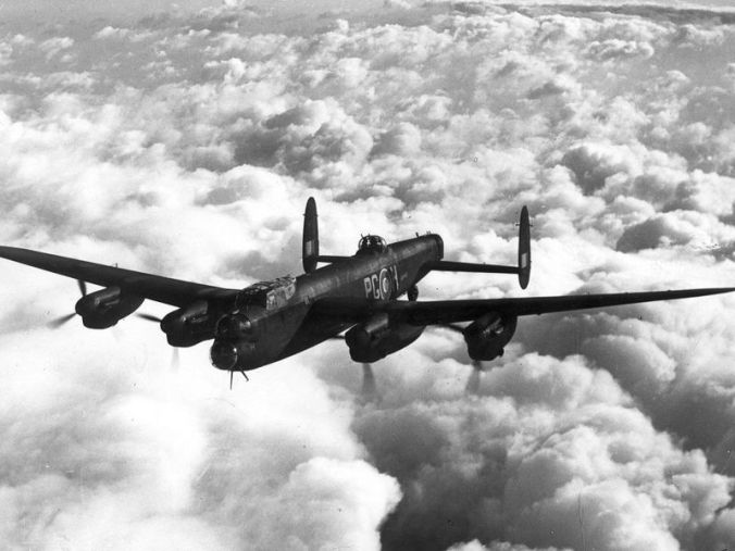 800px-Avro_Lancaster_Mk_1_ExCC
