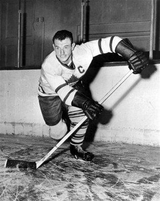 Obit_Kennedy_Hockey_sff_embedded_prod_affiliate_138
