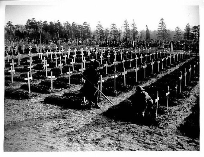 WWI_British_cemetery_at_Abbeville