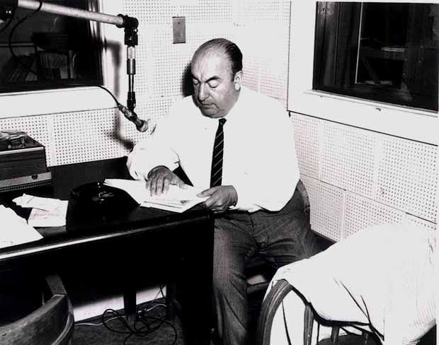 Pablo_Neruda_(1966)