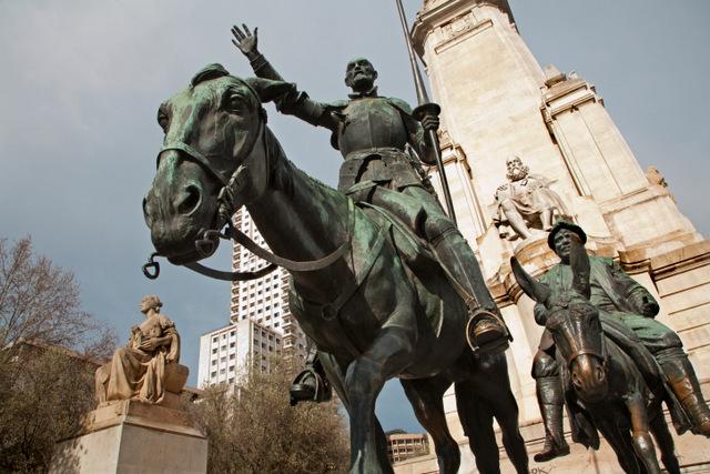 miguel de cervantes statue