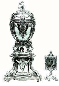 Royal Danish Fabergé Egg (1903), one of the seven missing Fabergé eggs.